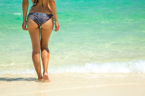 toned-glutes-sea